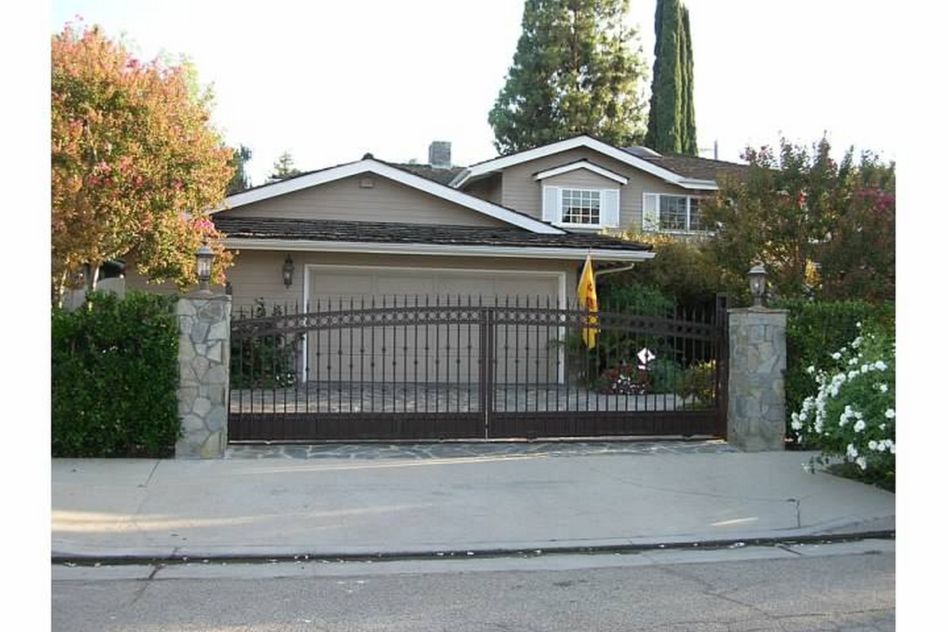 Los Angeles Driveway Gate Installation